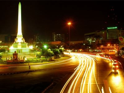 Victory Monument in Bangkok (Thailand) bei Nacht