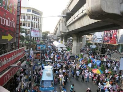 Großer Markt vor dem Siam Center in Bangkok