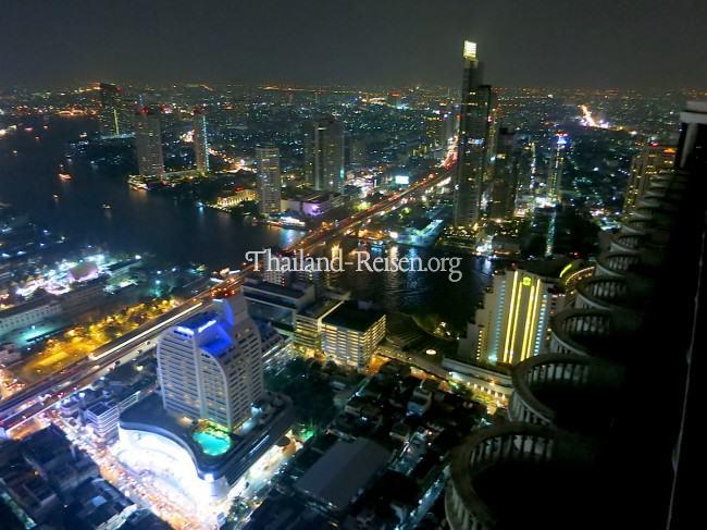 Skyline von Bangkok bei Nacht