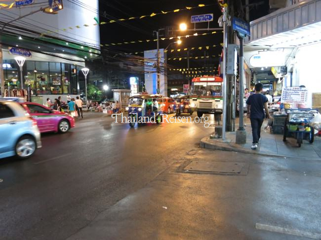 Straßenleben in Bangkok (Thailand)